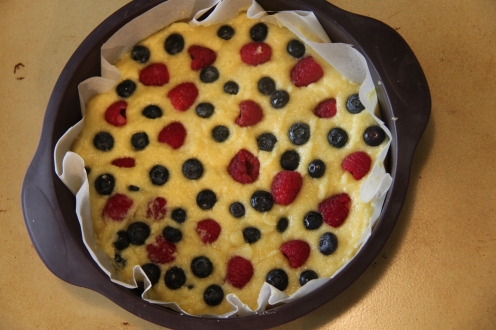 Berries flour-less cake
